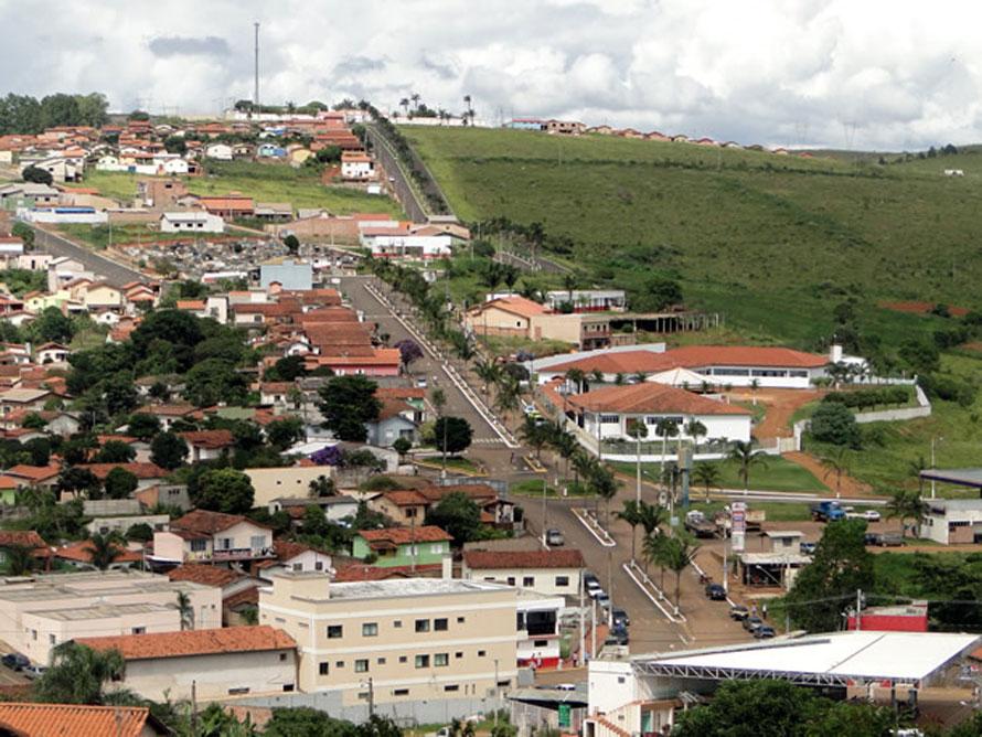 Tapira Minas Gerais fonte: www.achetudoeregiao.com.br